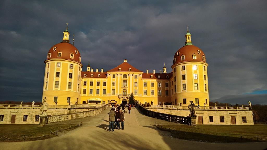 Immer eine Reise wert: Das imposante Schloss Moritzburg, © Lisa K. Schuermann