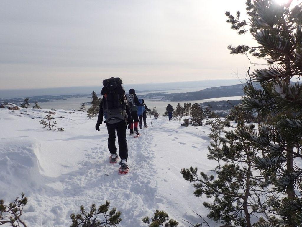 Unterwegs auf Schneeschuhen: Schweden ist auch im Winter ein Wander-Paradies, © Rike Jütte, Schweden und so